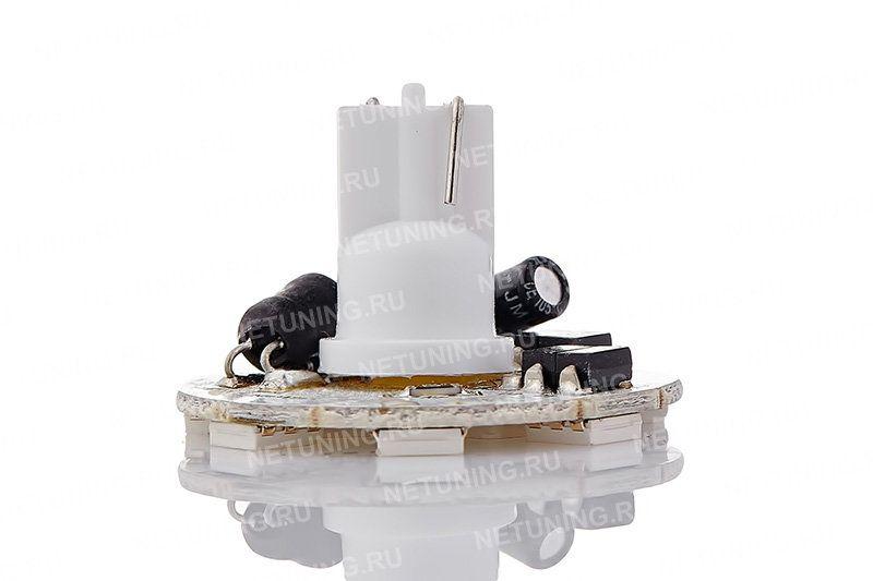 Включенная светодиодная лампа W5W-10s50b